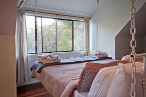 10MK_6587+9x13+Hoop+pine+bed